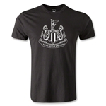 Newcastle United Distressed Crest Men's Fashion T-Shirt (Black)