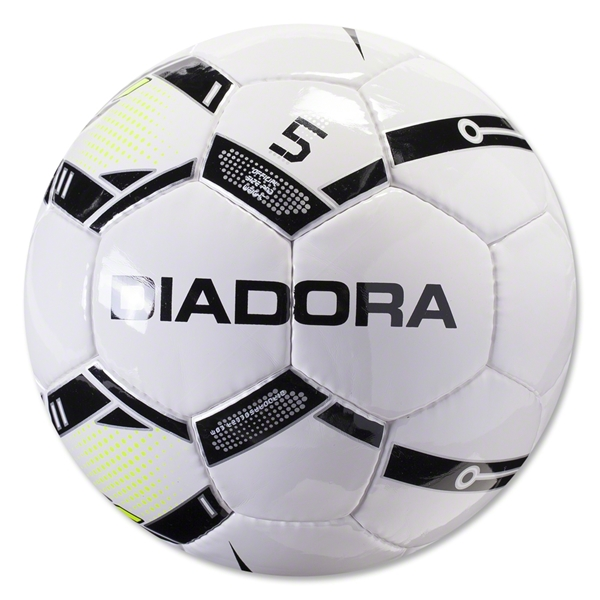 Diadora Stadio R Ball (White/Black)